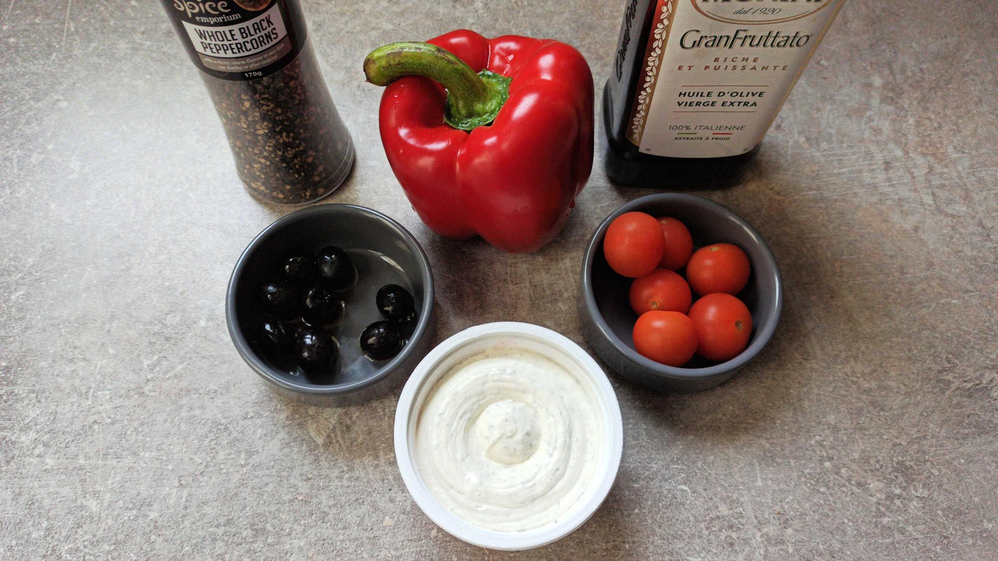 Ingrédients pour les poivrons farcis rôtis