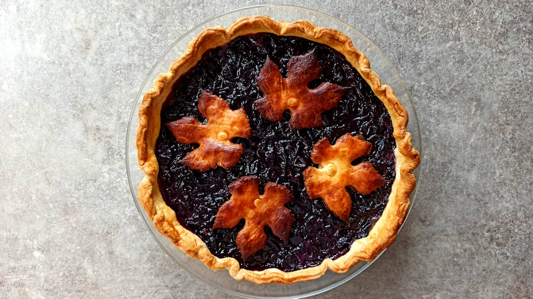 Concord grape pie décorée
